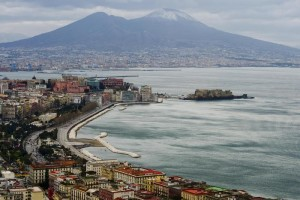 Snow on the top of the Mount Vesuvius in Naples, southern Italy, 06 March 2015. Italy is bracing for more high winds, rainstorms and snow over the weekend and the weather is expected to remain highly unstable and cold across the country. ANSA/ CIRO FUSCO