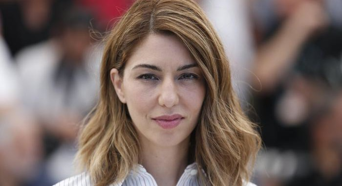 epa05996127 (FILE) US director Sofia Coppola poses during the photocall for 'The Beguiled' during the 70th annual Cannes Film Festival, in Cannes, France, 24 May 2017. Coppola won the Best Director Award for 'The Beguiled' at the 70th Cannes Film Festival.  EPA/JULIEN WARNAND