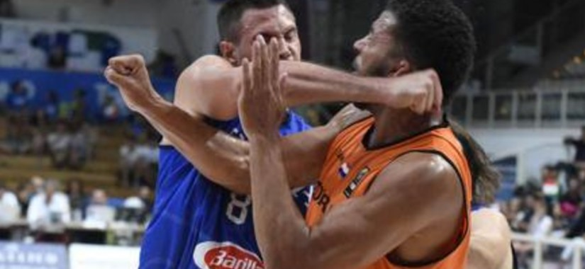 Danilo-Gallinari-Fight-Italy